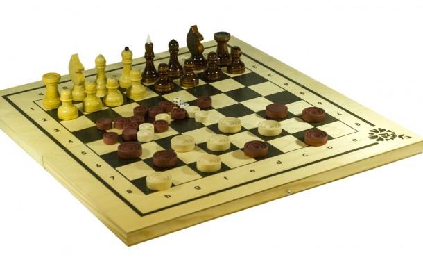 Поздравляем победителей шахматно-шашечного турнира