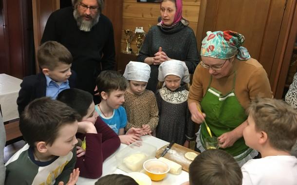 Печем пирожки в Воскресной школе
