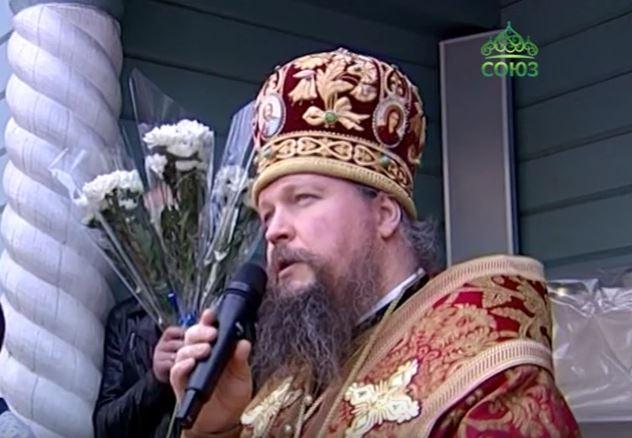 Епископ Воскресенский Дионисий поздравил с праздником Жен-Мироносиц прихожанок московского храма в Марьино