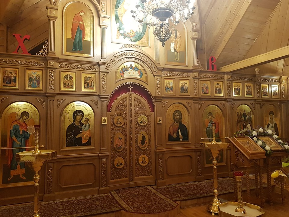 Иконостас храма святых Жен-Мироносиц